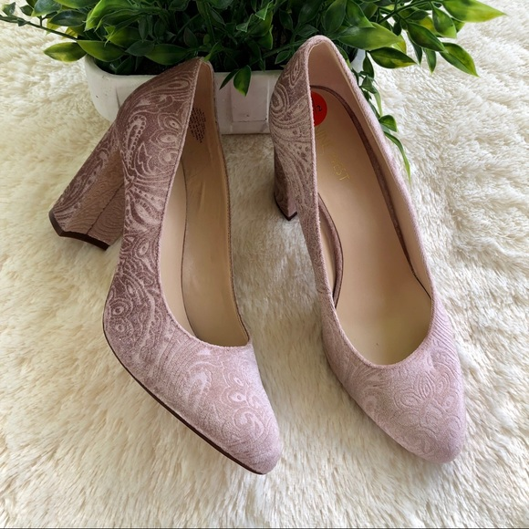 Nine west blush pink paisley velvet block heel 9.5